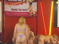 Belgians swingers amateurs partie yoke