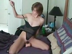 grotesque wifey fills her holes