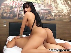 TranssexualBarebacking Video: Bruna Butterfly