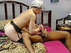 Granny gets a big black dick connected with her fanni
