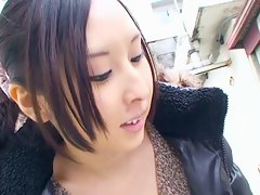 Downblouse video of a sexy asian black hair model
