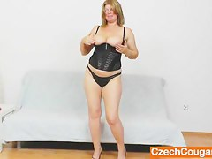 Left-hand meretricious penis in shaved milf fuck gap