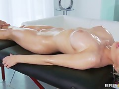 Keiran Lee's oiled massage makes Alexis Ford's pussy wet coupled with soul happy